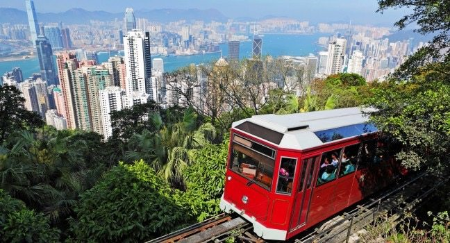 victoria-peak-and-the-victoria-peak-tram-hong-kong-china_main